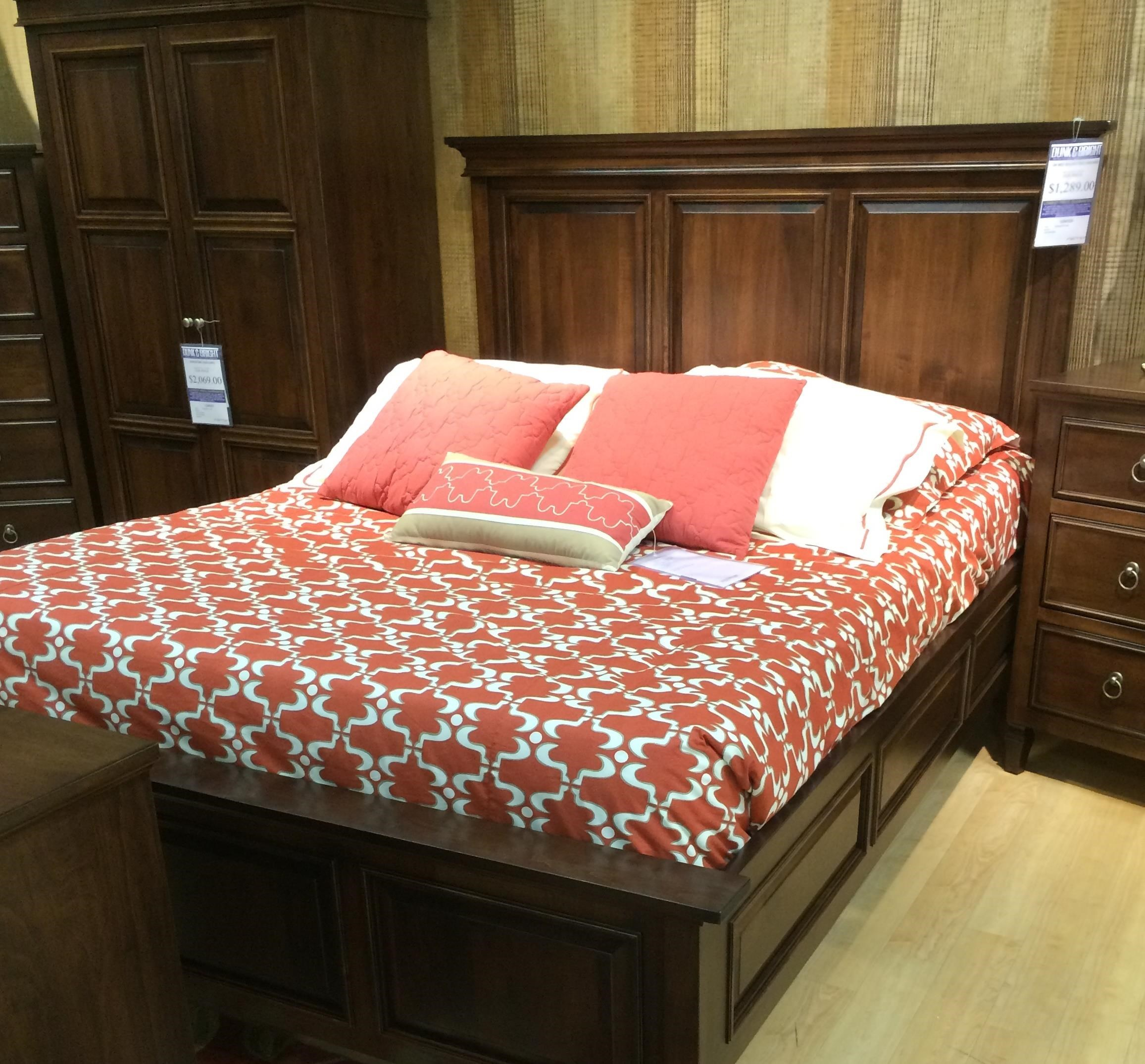 Vineyard Haven Queen Bed With Low Footboard By Palettes By Winesburg