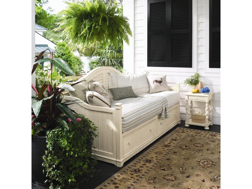 Shown with Sweet Tea Side Table