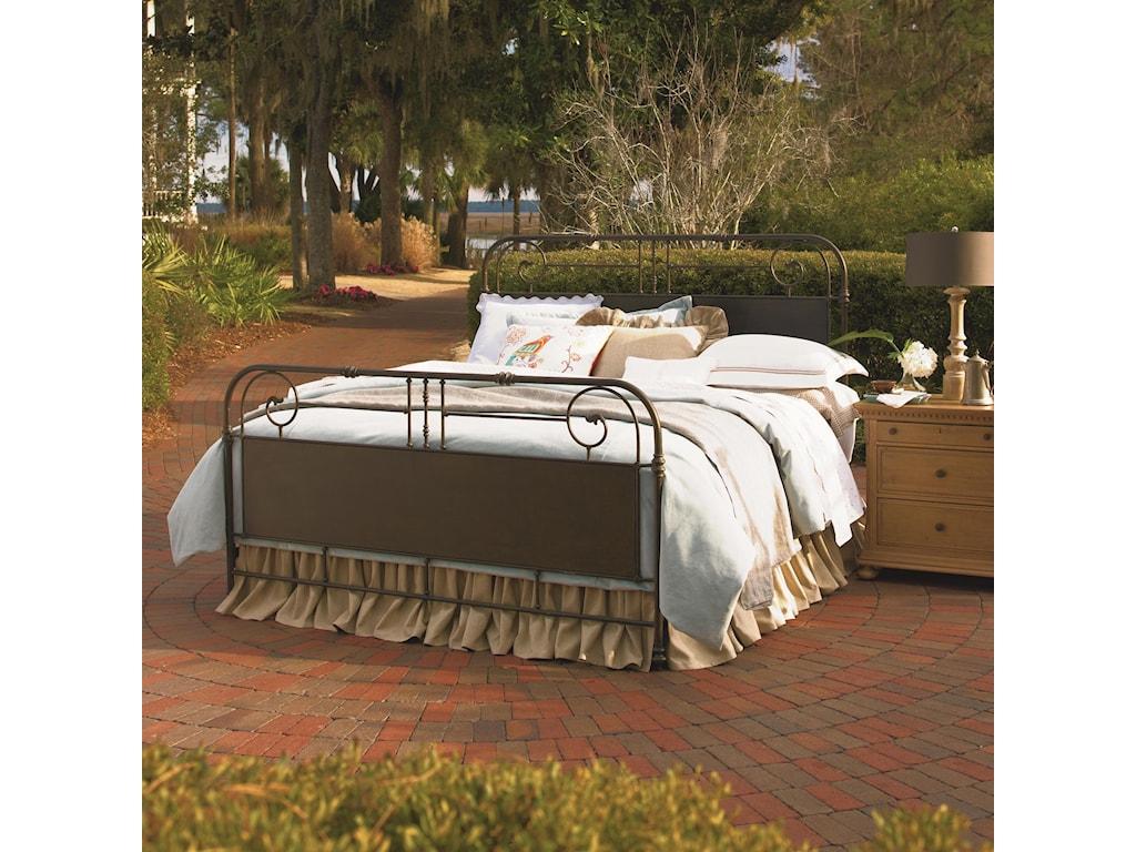 Paula Deen by Universal Down HomeQueen Garden Gate Bed