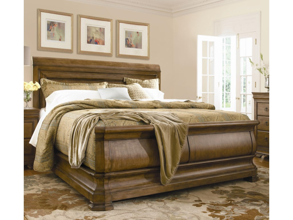 Universal New LouQueen Louie P's Sleigh Bed