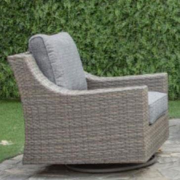 Primo International Newport PrimoWicker Swivel Chair