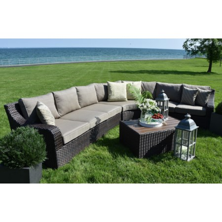 Outdoor Sectional and Cocktail Table set