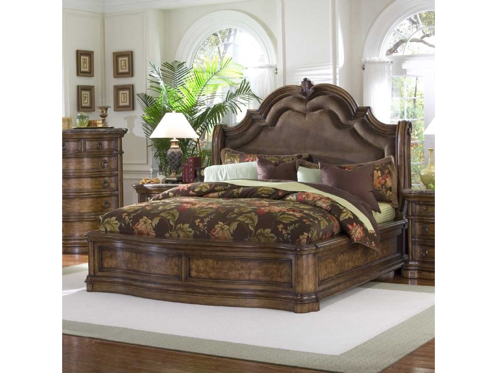 Pulaski Furniture San MateoQueen Microfiber Upholstered Sleigh Bed