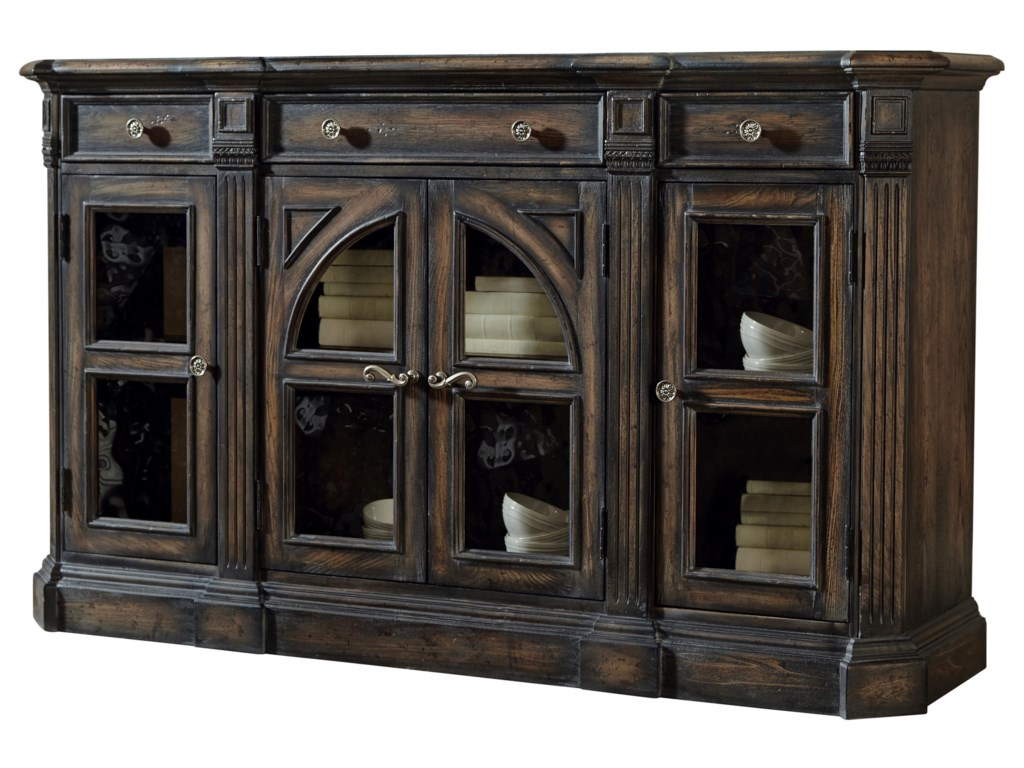 Pulaski Furniture Accentrics HomeDelmar Sideboard