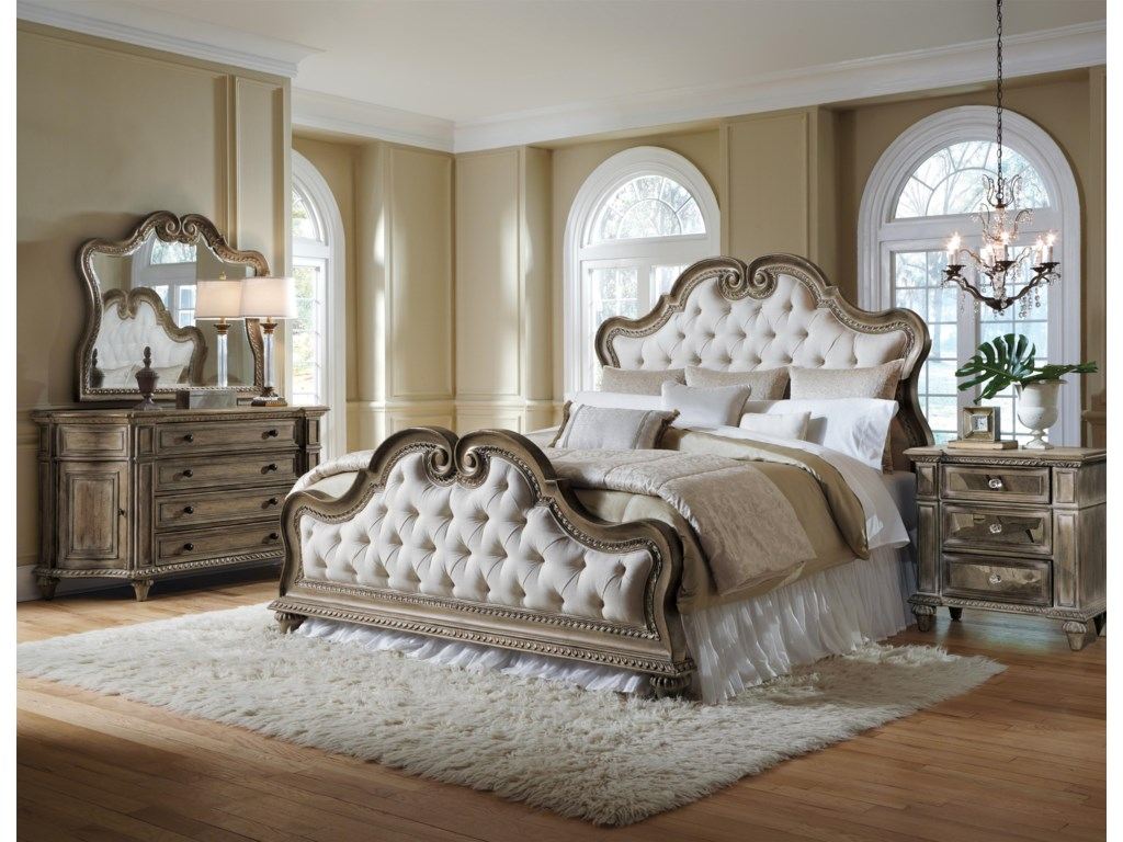 Pulaski Furniture ArabellaQueen Upholstered Bed