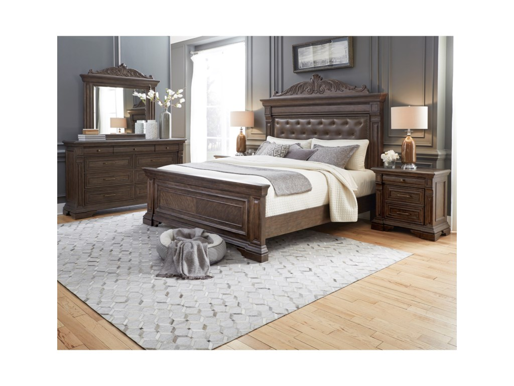 Pulaski Furniture Bedford HeightsQueen Panel Bed
