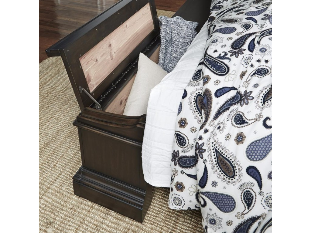 Pulaski Furniture CaldwellQueen Bed with Blanket Chest