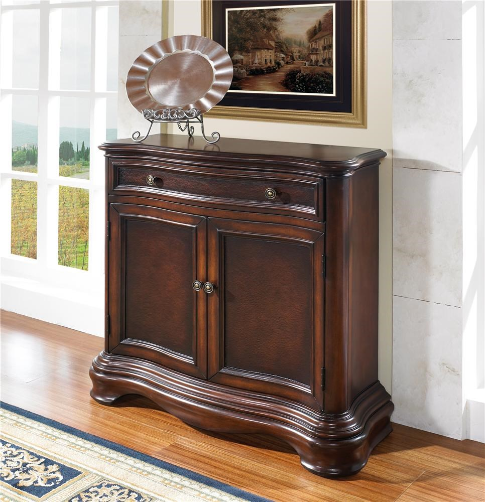 Accents DS 704210 Mascot Hall Chest By Pulaski Furniture
