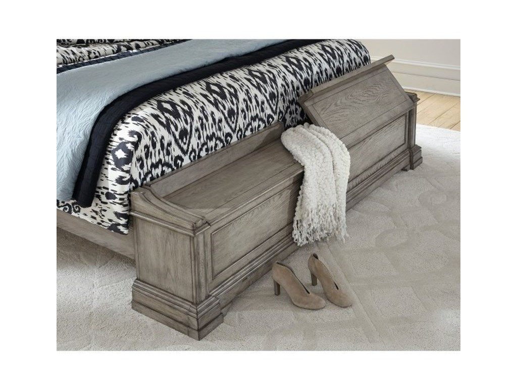 Pulaski Furniture Madison RidgeQueen Panel Bed with Blanket Chest Footboard