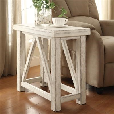 Riverside Furniture AberdeenChairside Table