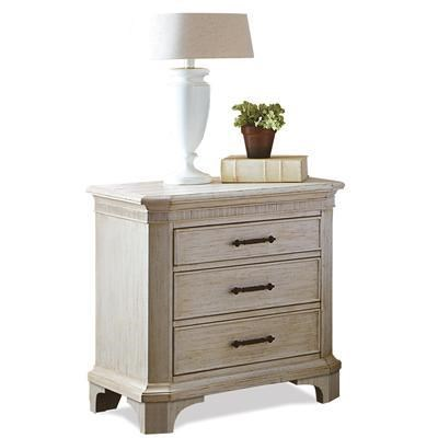 Superbe Riverside Furniture Aberdeen 3 Drawer Nightstand With Electric Outlet Bar