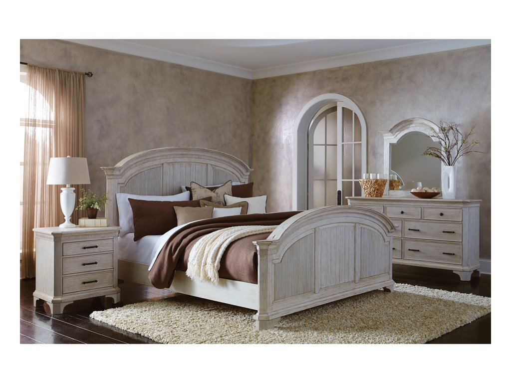Riverside Furniture AberdeenQueen Reeded Bed