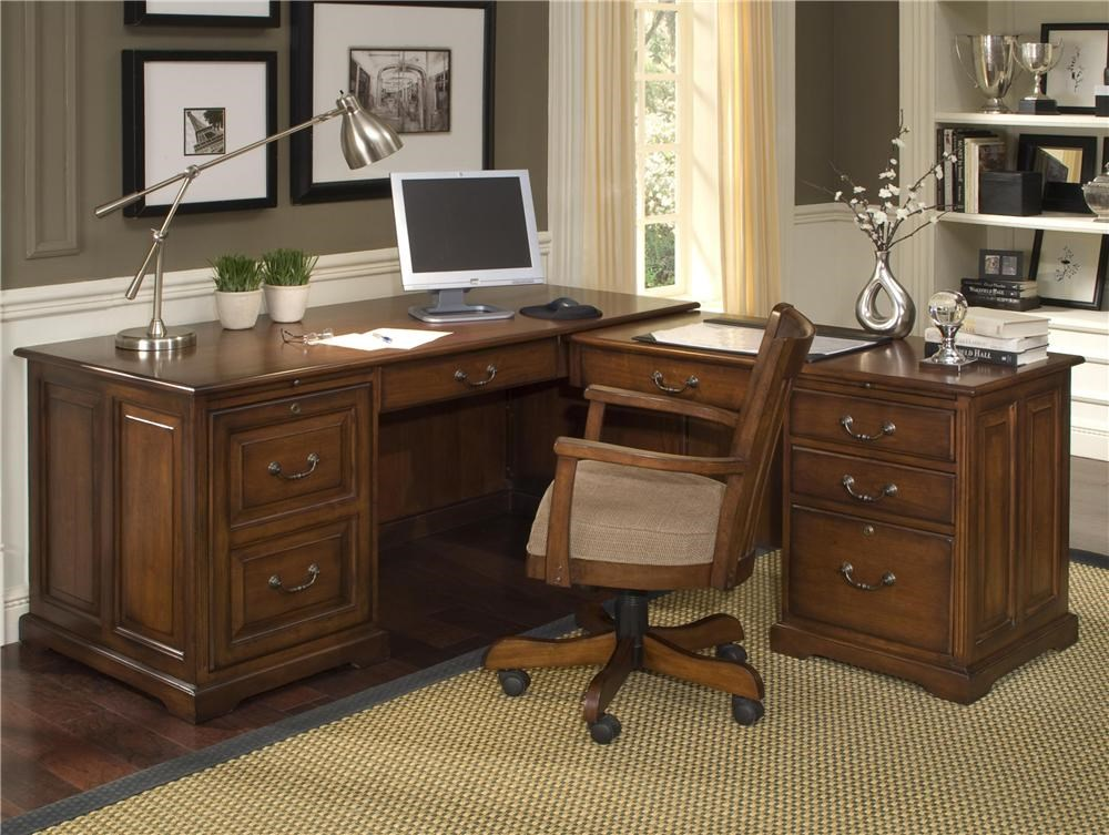 Accent with Matching Swivel Desk Chair
