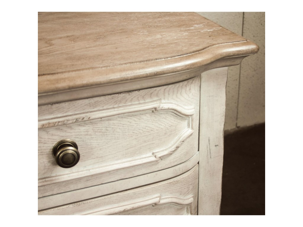Riverside Furniture Elizabeth3-Drawer Nightstand