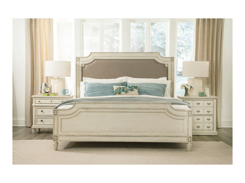 Riverside Furniture HuntleighQueen Bedroom Group