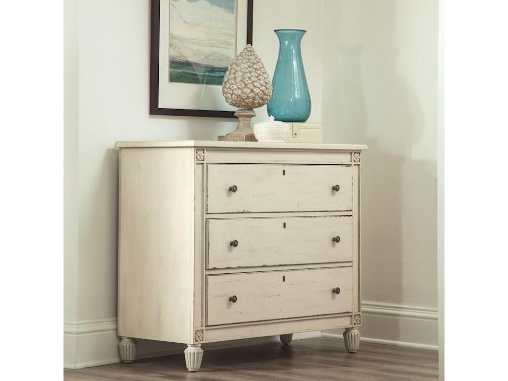 Riverside Furniture HuntleighBachelors Chest