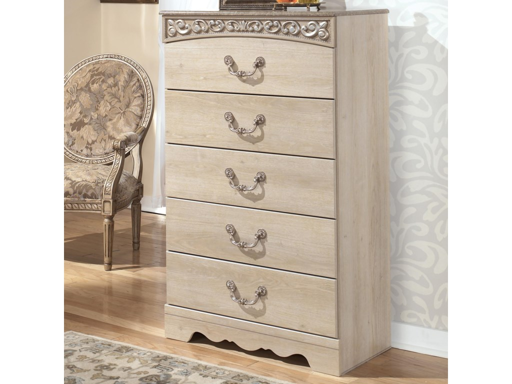 Signature Design by Ashley CatalinaChest of Drawers