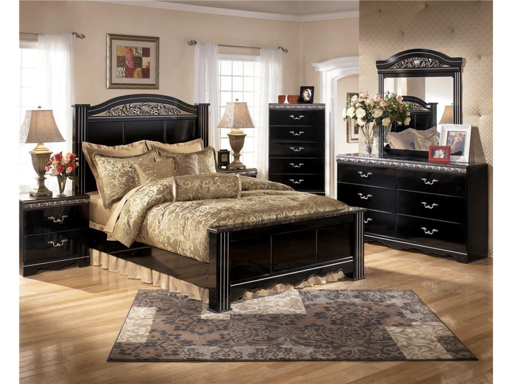 Shown with Chest, Bed , Mirror & Nightstand