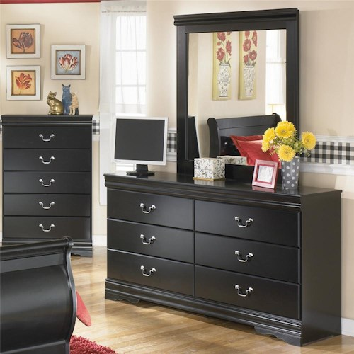 Signature Design by Ashley Huey Vineyard 6 Drawer Dresser and Mirror Combination