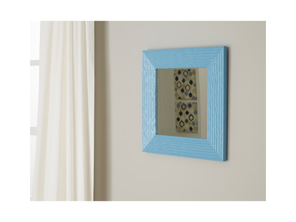 Trendz Accent MirrorsOdelyn Aqua Wall Mirror