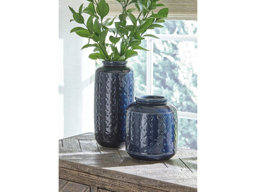 Rooms Collection Three AccentsMarenda Navy Blue Vase Set