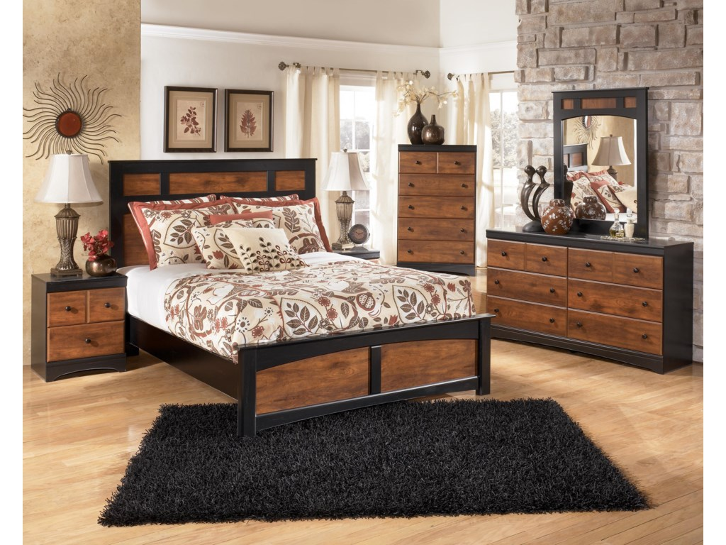 Signature Design by Ashley AimwellQueen Panel Bed