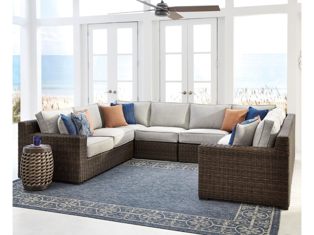 Signature Alta GrandeOutdoor Sectional