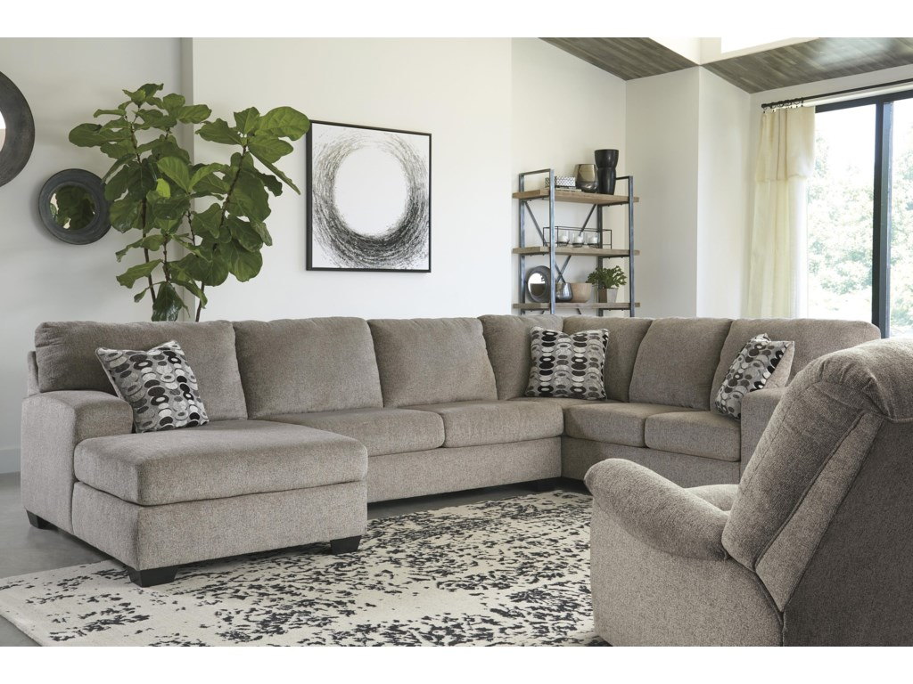 Signature Design by Ashley Ballinasloe3 PC Sectional and Recliner Set