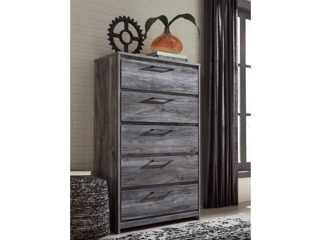 Signature Design by Ashley BaystormChest of Drawers