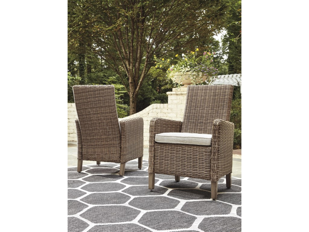 Signature Design by Ashley BeachcroftSet of 2 Arm Chairs with Cushion