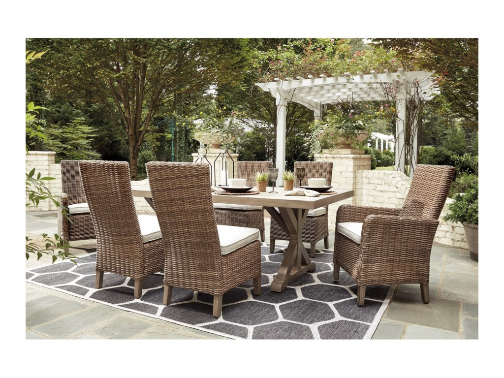Signature Beachcroft7 Piece Outdoor Dining Set