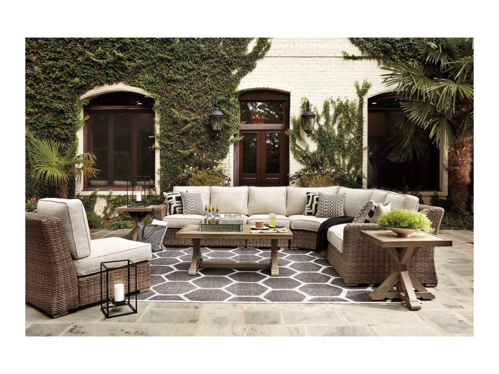 Signature BeachcroftOutdoor Conversation Set
