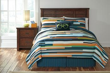 Signature Design by Ashley Bedding Sets Full Seventy Stripe Top of Bed Set