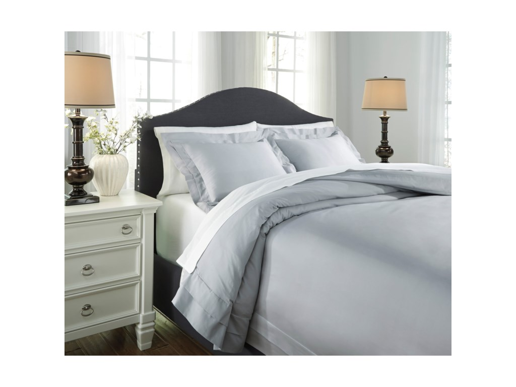 Signature Design by Ashley Bedding SetsQueen Chamness Gray Duvet Cover Set