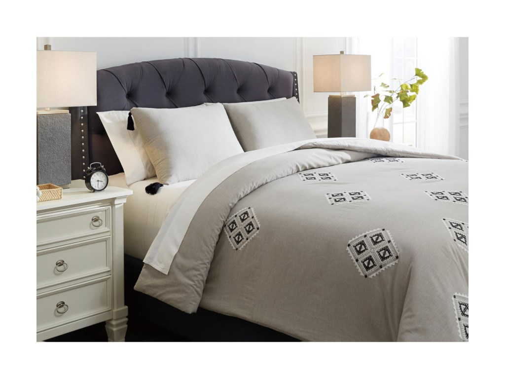 Signature Design by Ashley Bedding SetsQueen Jawanza Gray Comforter Set