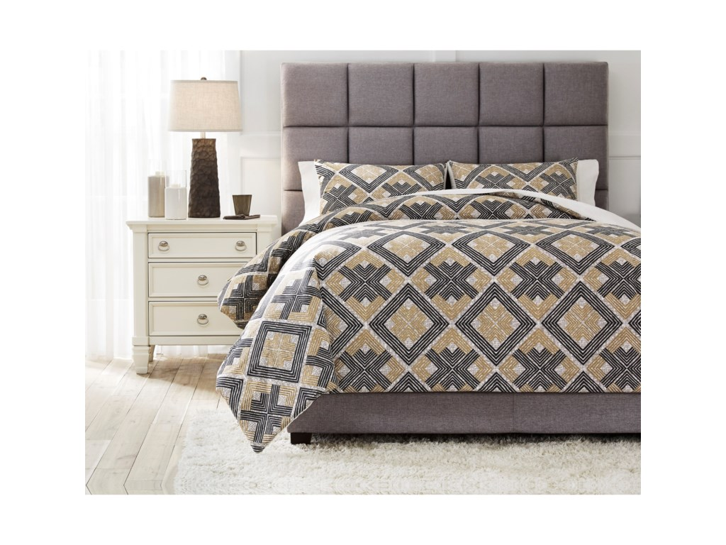 Signature Design by Ashley Bedding SetsQueen Scylla Brown/Black Comforter Set
