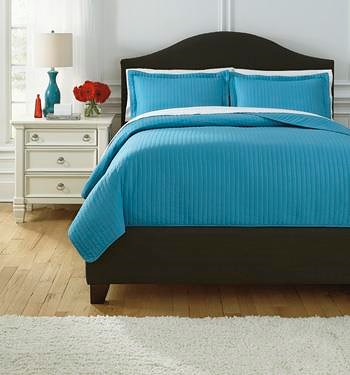 Signature Design by Ashley Bedding Sets Queen Raleda Turquoise Coverlet Set