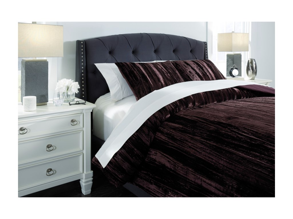 Signature Design by Ashley Bedding SetsQueen Wanete Wine Comforter Set