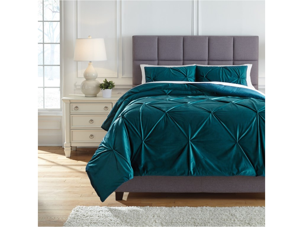 Ashley (Signature Design) Bedding SetsQueen Meilyr Spruce Comforter Set
