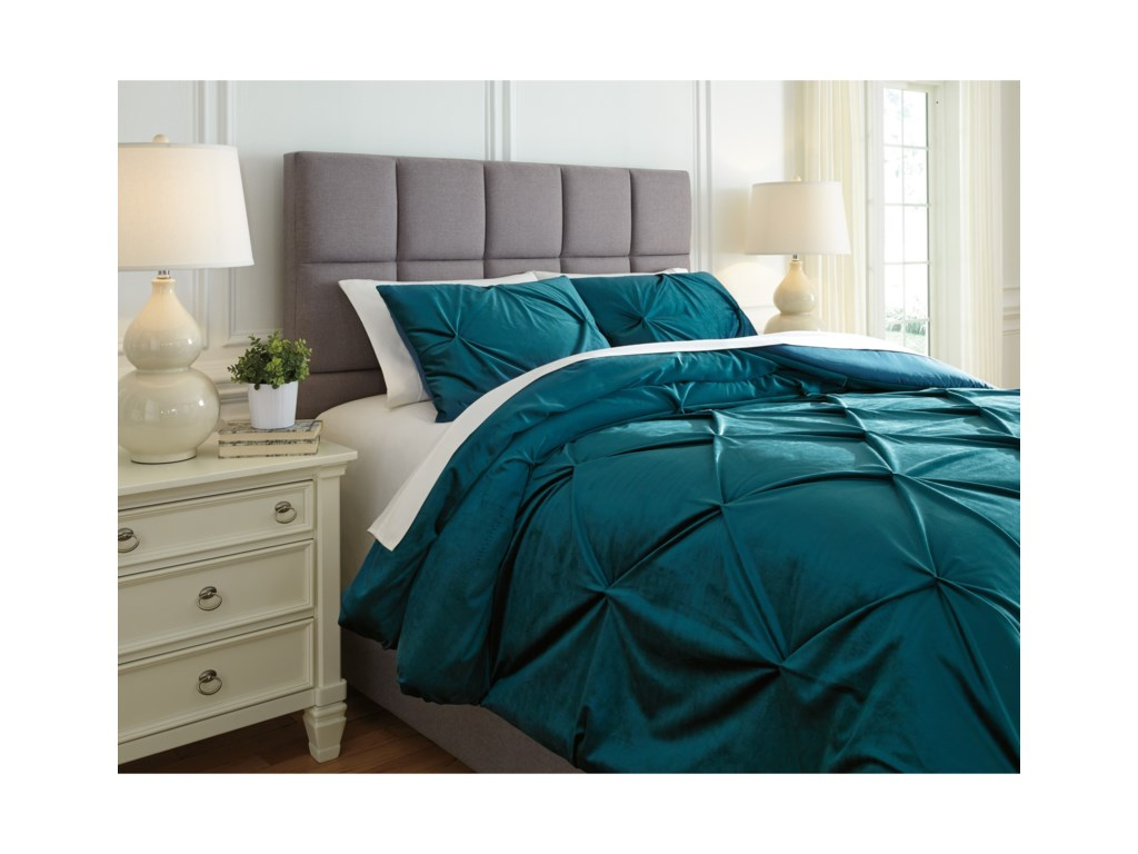 Signature Design by Ashley Bedding SetsKing Meilyr Spruce Comforter Set
