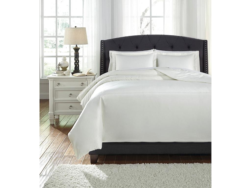 Signature Design by Ashley Bedding SetsQueen Maurilio White Comforter Set