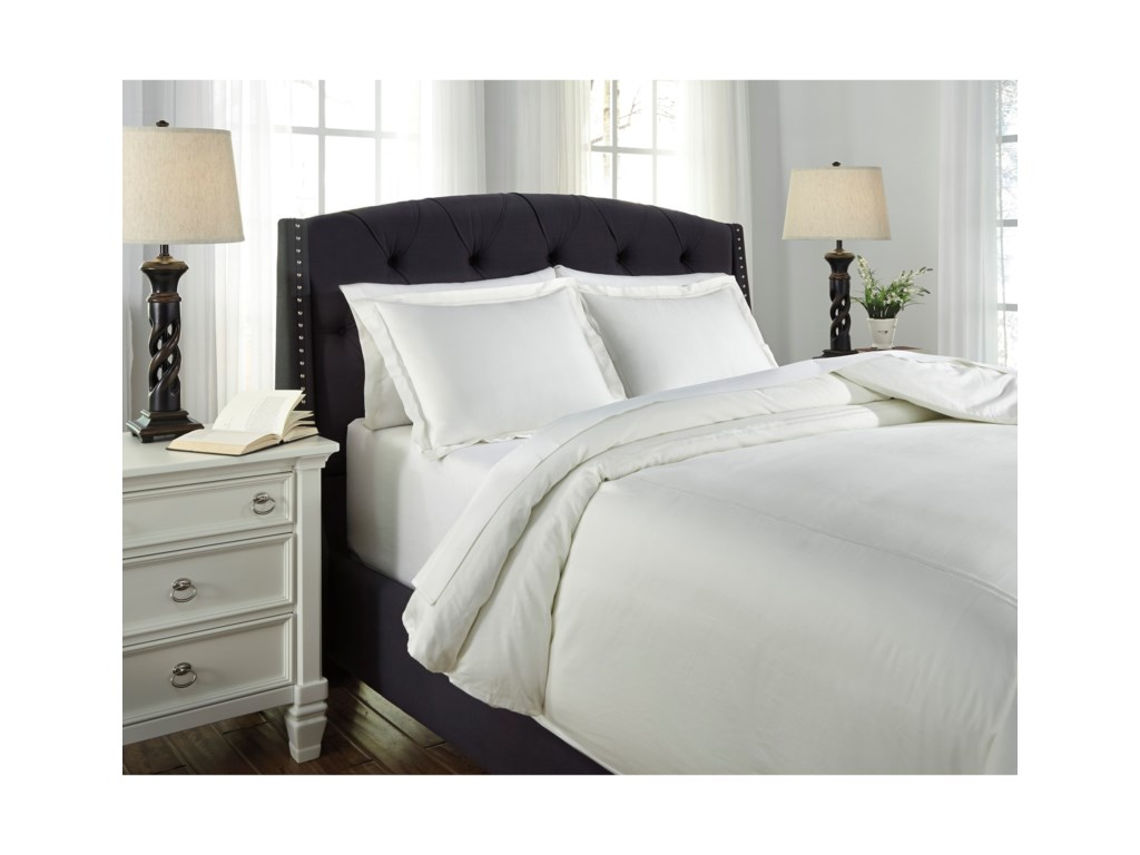 Signature Design by Ashley Bedding SetsQueen Maurilio White Comforter Set