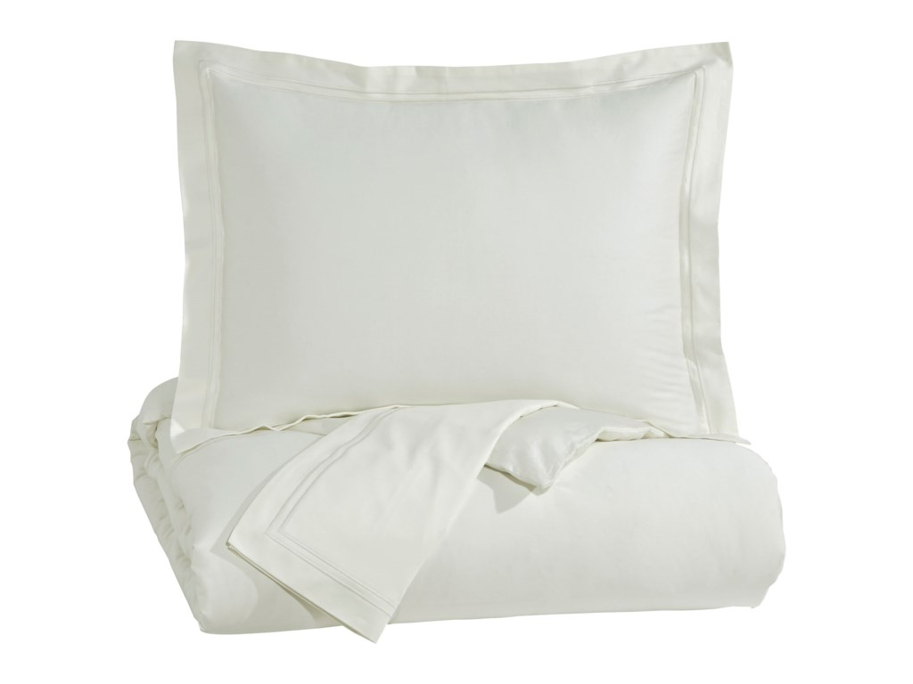 Ashley (Signature Design) Bedding SetsQueen Maurilio White Comforter Set