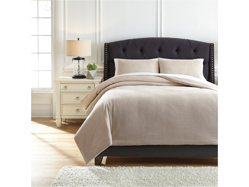 Signature Design by Ashley Bedding SetsKing Mayda Beige Comforter Set