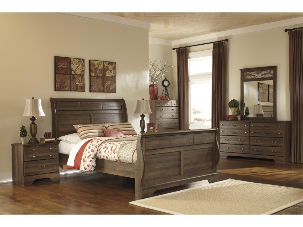 Ashley (Signature Design) AllymoreFive Drawer Chest