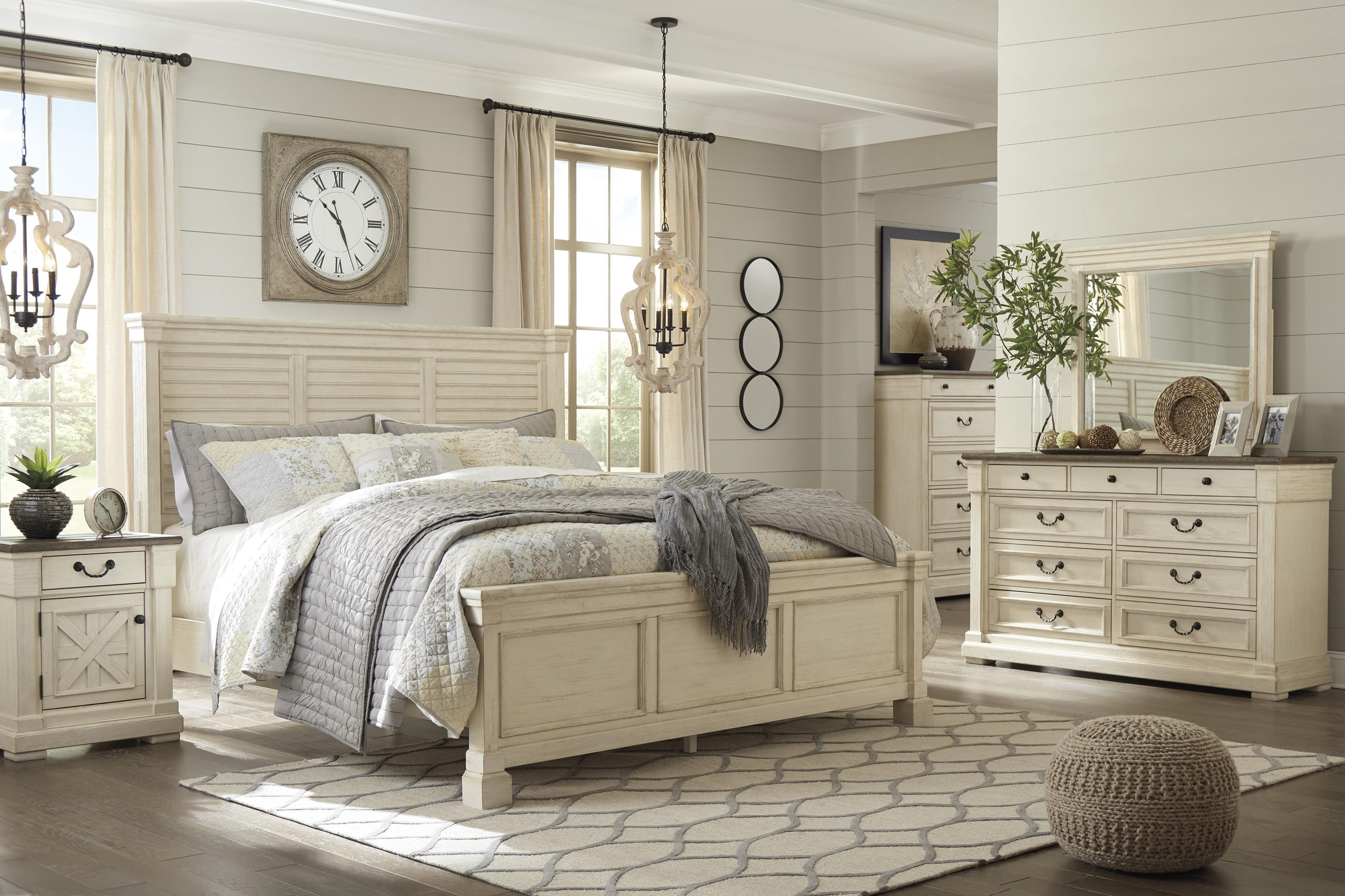 Bolanburg Queen Panel Bed Package