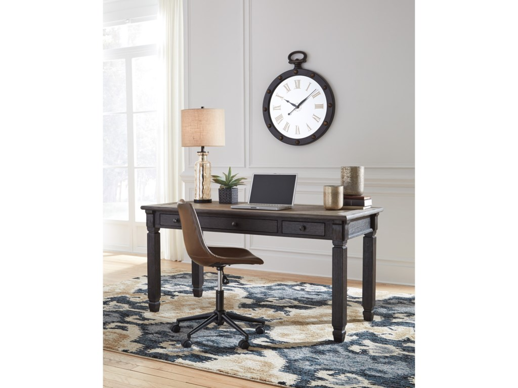 Signature Design by Ashley ToryHome Office Desk