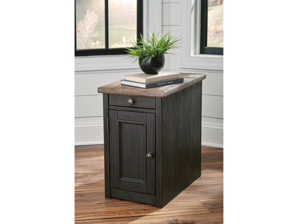 Ashley (Signature Design) Tyler CreekChair Side End Table