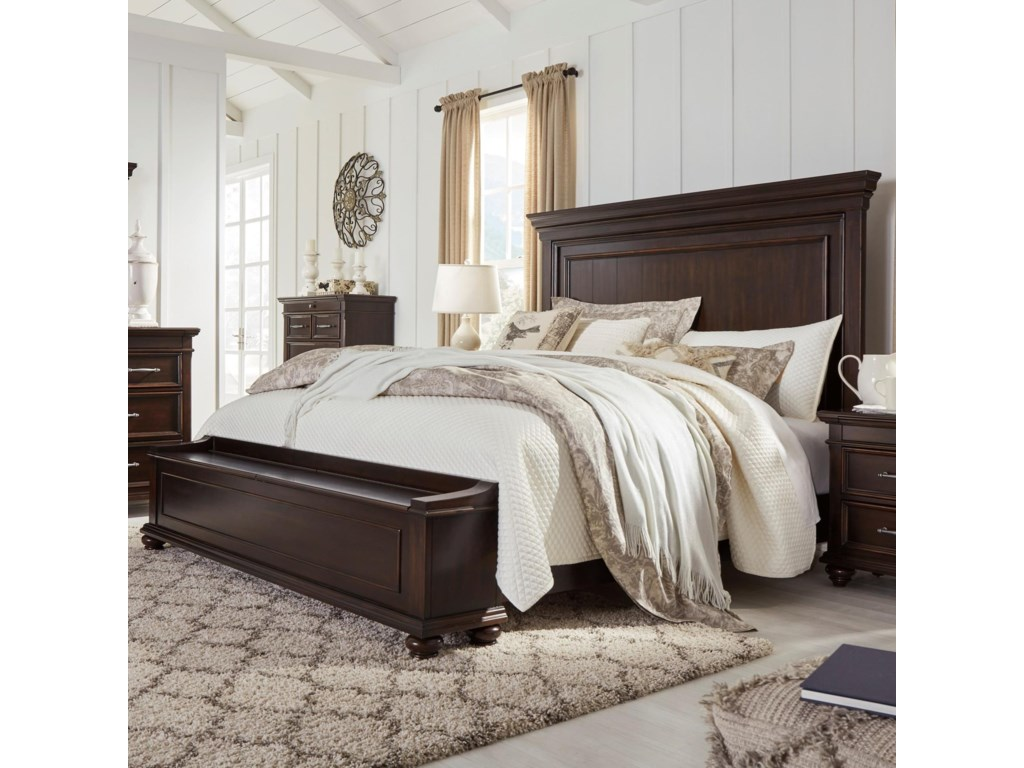 Signature Design by Ashley BrynhurstKing Panel Bed with Storage Bench