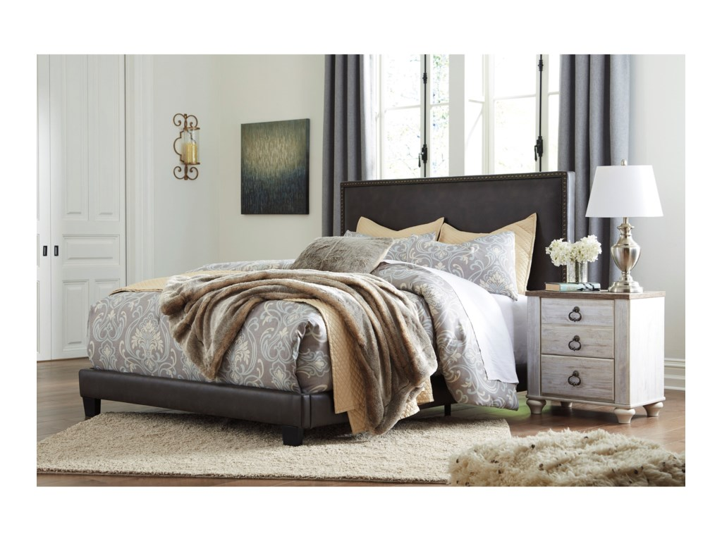 Signature Design by Ashley DolanteQueen Upholstered Bed
